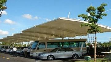 مظلات السيارات